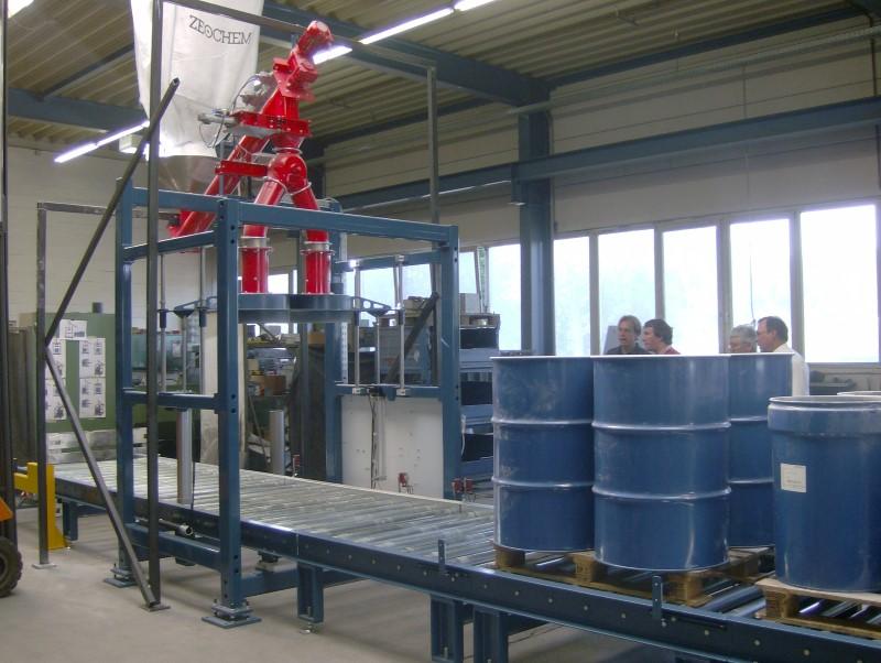Stationäre Mehrfach-Befüllstation für Feststoffe
